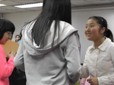 Taking a summer camp in Singapore - students from China in English classes